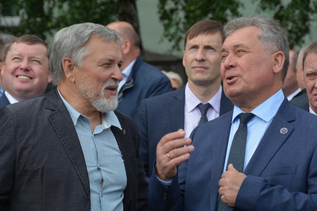 В Барнауле открыта стела в честь эвакуированных заводов
