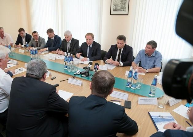 8 июня состоялась встреча промышленников с  врио губернатора Алтайского края Виктором Томенко
